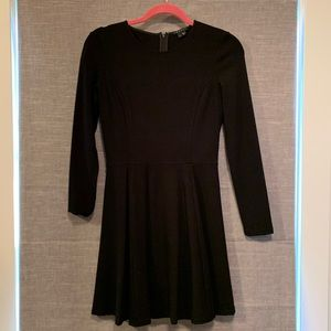 Theory size 4 black long sleeve Tillora dress